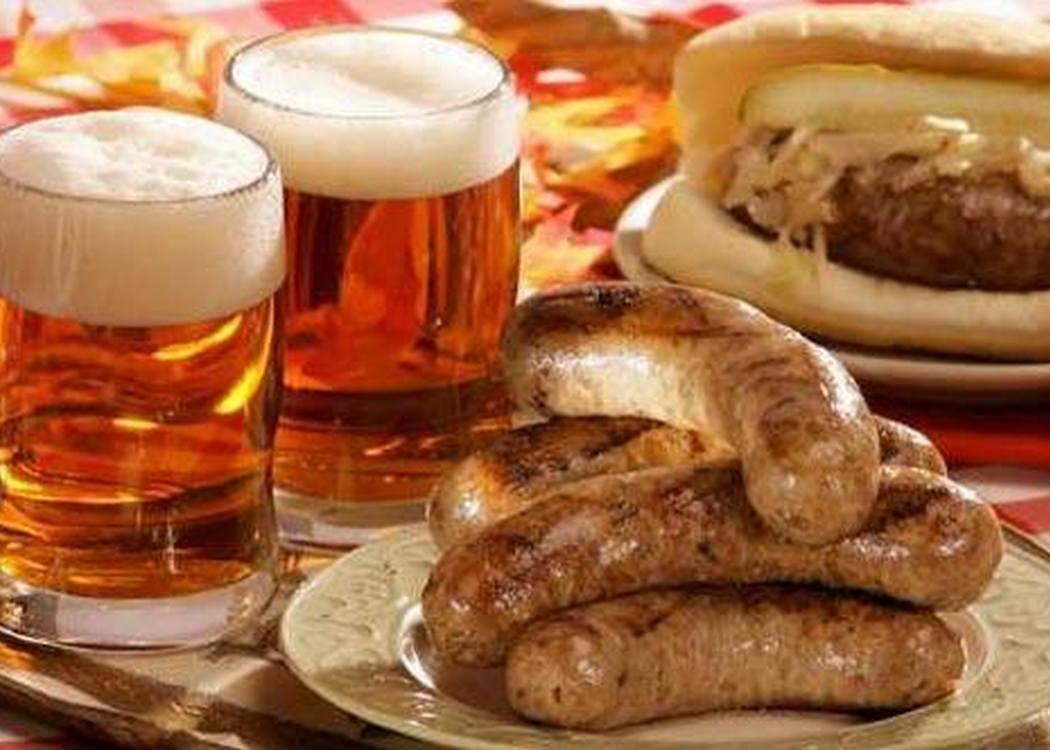 Oktoberfest beer and food